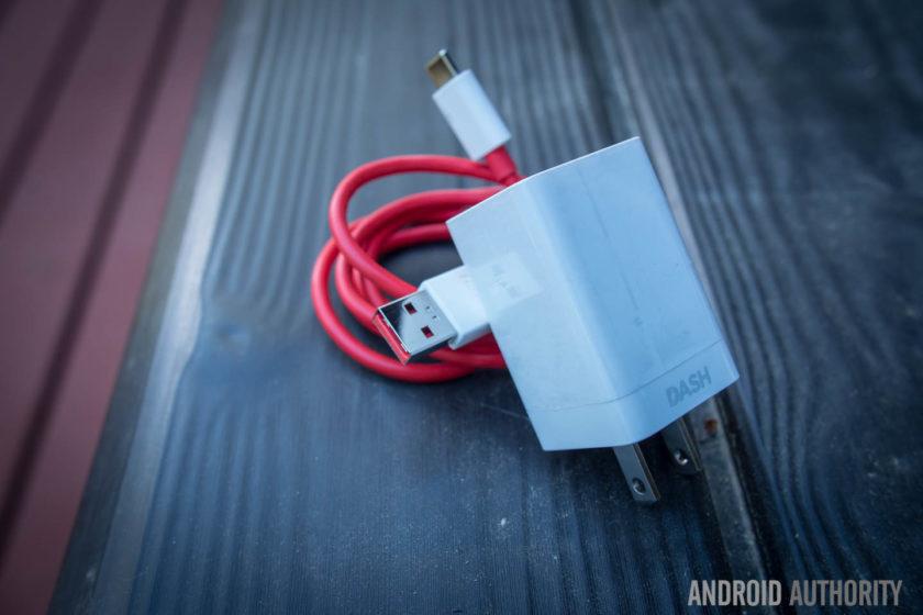 چرا گوشی شارژ نمی شود
